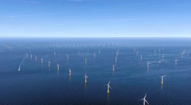 """The picture shows two RWE offshore wind farms which will play a role in GloBE, Nordsee Ost in the front and Amrumbank West in the back. The """"Kaskasi gap"""" between them is clearly visible."""