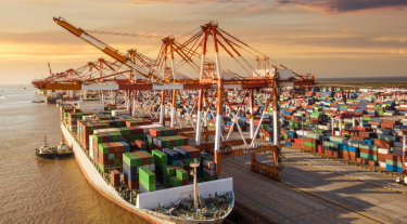 Shipping container and supply chain