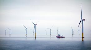 Offshore wind turbines and vessel